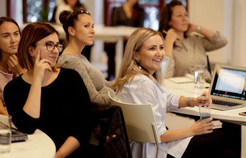 Učili sa od marketingových expertov bezplatne. Účastníčky workshopov pre ženy vysvetľujú, prečo sa oplatí investovať čas do vzdelávania