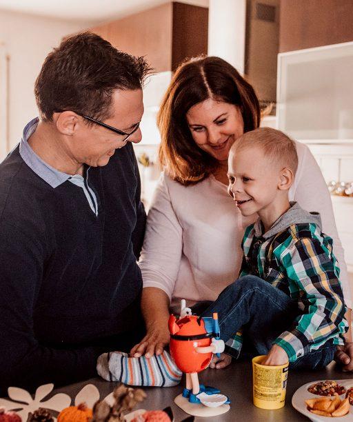 Keď sa detská onkológia stane druhým domovom, priority sa razom zmenia. Rodinu Smižanských teší ochota lekárov aj deti, ktoré ťahajú Maxima dopredu