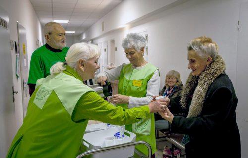 Dobrovoľníci o pacientoch často vedia veci, ktoré nevedia ani ich príbuzní či zdravotnícky personál, hovorí koordinátorka dobrovoľníkov na onkológii
