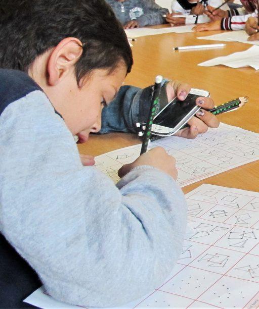 Na východe Slovenska pomáhajú deťom vymaniť sa z prostredia chudoby, vytvorili im podmienky, kde sa učia rady